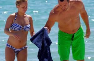 Hayden Panettiere, enceinte : En bikini avec son chéri, elle expose son ventre