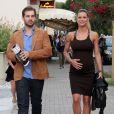 Michelle Hunziker, enceinte, en vacances avec son petit ami Thomas Trussardi a Forte dei Marmi en Italie, le 29 juin 2013
