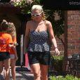 La chanteuse Britney Spears va déjeuner dans un restaurant de Thousand Oaks, le 13 août 2014.