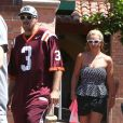 Britney Spears et son petit ami David Lucado vont déjeuner dans un restaurant de Thousand Oaks, le 13 août 2014.