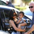 Kim Kardashian, sa fille North en pleurs, sa mère Kris Jenner, sa soeur Kourtney (enceinte) et ses enfants Mason et Penelope visitent le zoo de San Diego. Le 22 août 2014.