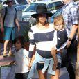 Kourtney Kardashian (enceinte) et ses enfants Mason et Penelope visitent le zoo de San Diego. Le 22 août 2014.
