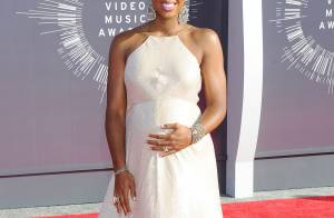 Kelly Rowland enceinte aux MTV VMA 2014 : Baby bump glamour, elle rayonne