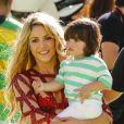 """"""" La chanteuse Shakira et son fils Milan - La chanteuse Shakira, son compagnon Gerard Piqué et leur fils Milan lors de la finale de la coupe du monde de la FIFA 2014 Allemagne-Argentine à Rio de Janeiro, le 13 juillet 2014. """""""