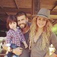 """"""" Shakira avec Gerard Piqué et son fils Milan à la campagne le 23 juillet 2014. """""""