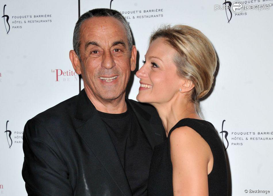Thierry Ardisson et sa compagne Audrey Crespo-Mara - Photocall de la 2e soirée d'inauguration du restaurant de 'La Petite Maison Niçoise' à l'hôtel Fouquet's Barrière à Paris le 22 janvier 2013.