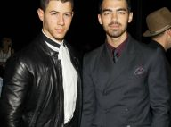 Fashion Week : Nick et Joe Jonas, élégants fans de mode pour le Day 1