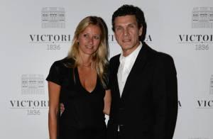 Sarah Lavoine, amoureuse au bras de Marc, pour une très chic soirée
