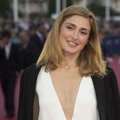 Julie Gayet : Très décolletée pour une soirée funky et glamour à Deauville