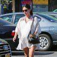 Rachel Bilson est allée prendre le petit déjeuner chez Nat's Early Bite, un coffee shop de Sherman Oaks, son quartier de Los Angeles, le 7 octobre 2014.