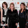 Léa Drucker, Jodie Wittaker, Catherine Deneuve, Sophie Duez et Emila Fox lors de la cérémonie de clôture du Festival du film de Dinard le 11 octobre 2014