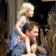 Michael Weatherly et sa fille Olivia, chez Mr. Bones Pumpkin Patch à West Hollywood, le 12 octobre 2014