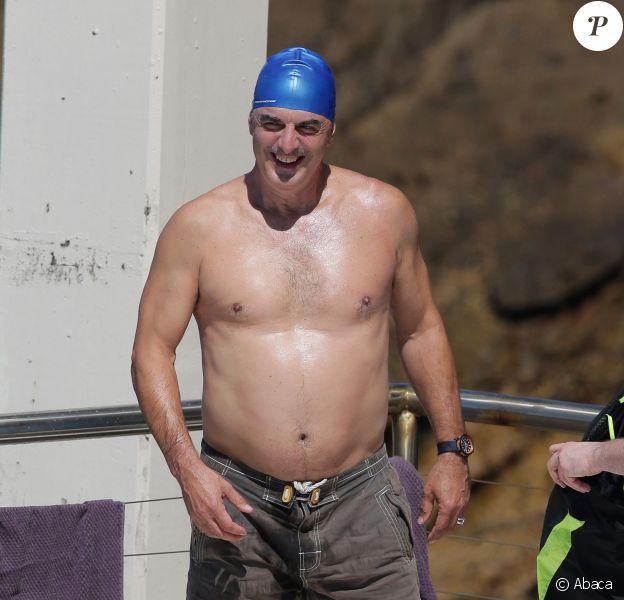 Chris North se baigne à Sydney, le 12 octobre 2014. Le bonnet de bain qui tue...