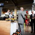 La reine Maxima des Pays-Bas, dans une robe Natan, le 1er octobre 2014 lors de l'inauguration d'un marché à Rotterdam