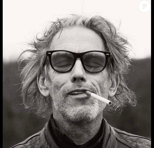 Hommage de GQ UK au photographe David Armstrong, mort à 60 ans d'un cancer du foie. Ici, une photo du photographe publiée dans un tweet du magazine.