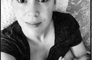 Alyssa Milano : Sublime maman en plein allaitement de sa petite Elizabella