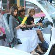 Exclusif - Anthony Kiedi, du groupe Red Hot Chili Peppers, est allé chercher son fils Everly en voiture de golf avec sa petite amie Helena Vestergaard à Malibu. Le jeune Everly est heureux de conduire la petite voiture. Le 29 octobre 2014.