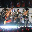 Bruno Mars et les Red Hot Chili Peppers lors du half time show du Super Bowl à Rutherford, le 2 février 2014.