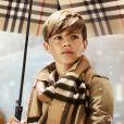 Romeo Beckham pose pour la campagne Burberry 2014 pour la période des fêtes de Noël, le 3 novembre 2014.