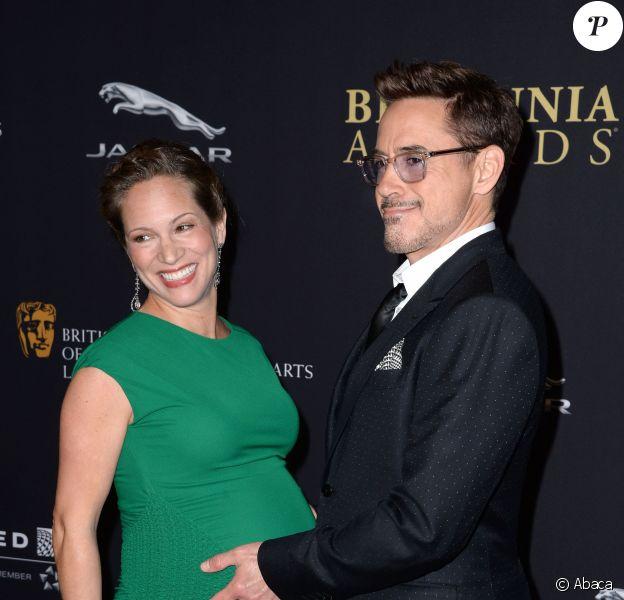 Robert Downey Jr. et sa femme Susan Downey (enceinte de leur deuxième enfant) lors des Britannia Awards des BAFTA à Los Angeles, au sein du Beverly Hilton Hotel le 30 octobre 2014