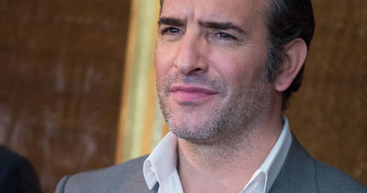 Jean dujardin lors du photocall du film monuments men l for Jean dujardin interview