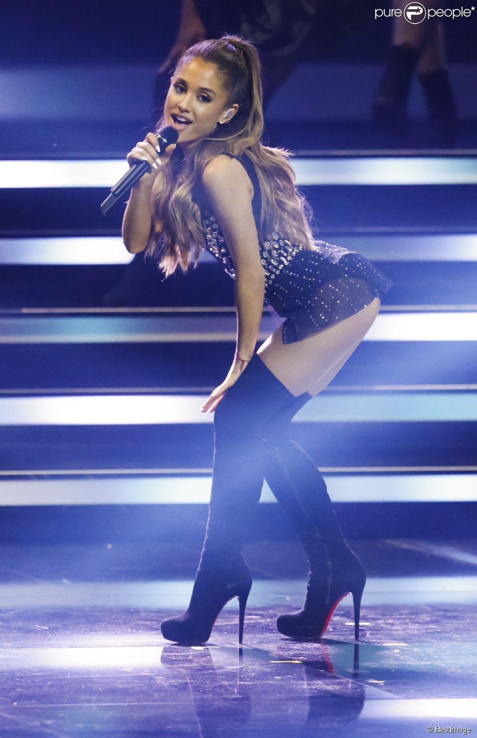 Ariana Grande participe à l'émission Swedish Idol sur la TV4 à Stockholm le 17 octobre 2014