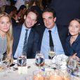 Alessandra Neidich, Jon Neidich, Olivier Sarkozy et Mary-Kate Olsen au gala caritatif organisé par le Child Mind Institute à New York le 26 novembre 2014