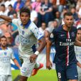 Brandao et Thiago Motta lors du match entre le Paris Saint-Germain et Bastia au Parc des Princes à Paris le 16 août 2014