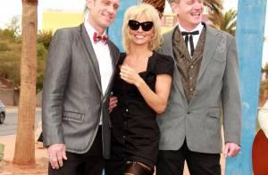 Pamela Anderson : Demoiselle d'honneur sexy pour un mariage rock !