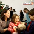 Teddy Riner entouré d'enfants de l'Institut Imagine, à Paris le 17 décembre 2014