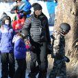 Seal fait du ski avec ses enfants Leni et Henry au Mammoth Mountain Resort à Mammoth, le 28 décembre 2014.