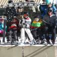 Gwen Stefani, son mari Gavin Rossdale et leurs enfants Zuma et Kingston font du ski en famille au Mammoth Mountain Resort à Mammoth, le 29 décembre 2014.