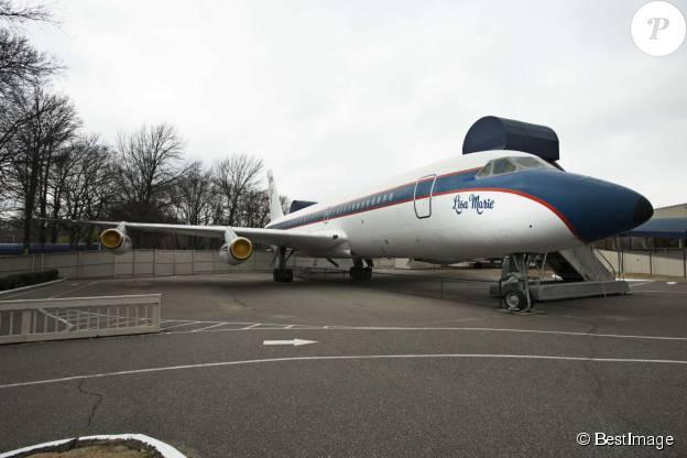"""Le jet """"Lisa Marie"""" ayant appartenu à Elvis Presley à Graceland à Memphis, le 2 janvier 2015."""