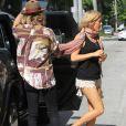 Ellie Goulding et son petit ami Dougie Poiynter font une virée en bateau à Miami Beach, le 5 janvier 2015
