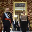 Le roi Felipe VI d'Espagne recevait le 8 janvier 2015, au palais royal à Madrid, les lettres de créance des ambassadeurs, après avoir observé une minute de silence en hommage aux victimes de l'attentat de Charlie Hebdo, à Paris.
