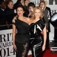 "Kylie Minogue et Dannii Minogue aux ""Brit Awards 2014"" à Londres, le 19 février 2014."