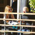 """L'acteur Dominic Purcell déjeune avec sa nouvelle compagne au """"Granville Cafe"""" à Studio City, Los Angeles, le 14 janvier 2015."""