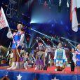 Le 39e Festival International du Cirque de Monte-Carlo s'est ouvert, sous le chapiteau Fontvieille, sur une minute de silence à la mémoire de Kevin Ferrari, jeune artiste de 24 ans de la troupe Flic Flac qui a trouvé la mort quelques heures avant le lever de rideau.  Show must go on ...