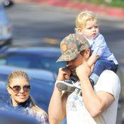 Fergie et Josh Duhamel : Balade avec le petit Axl et déjeuner amoureux