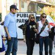 Fergie et Josh Duhamel déjeunent au restaurant The Ivy avec un ami, à Santa Monica, le 17 janvier 2015
