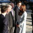 Kate Middleton, enceinte de 6 mois et habillée en Seraphine, rencontrait le 19 janvier 2015 des membres de l'association Family Friends et inaugurait dans la foulée la Kensington Aldridge Academy, à Londres