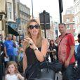Abbey Clancy emmène sa fille Sophia au théâtre Lysium voir Le Roi lion à Londres, le 19 juillet 2014