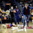 Le 21 janvier dernier, Will Ferrell a filmé une scène de son prochain film Daddy's Home : lors de la mi-temps d'un match de basket il tire de plein fouet dans la tête d'une pom-pom girl.