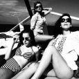 Le 24 janvier 2015, la chanteuse Taylor Swift a partagé sur son compte Instagram les photos de ses vacances à Hawaï avec les soeurs du groupe Haim.