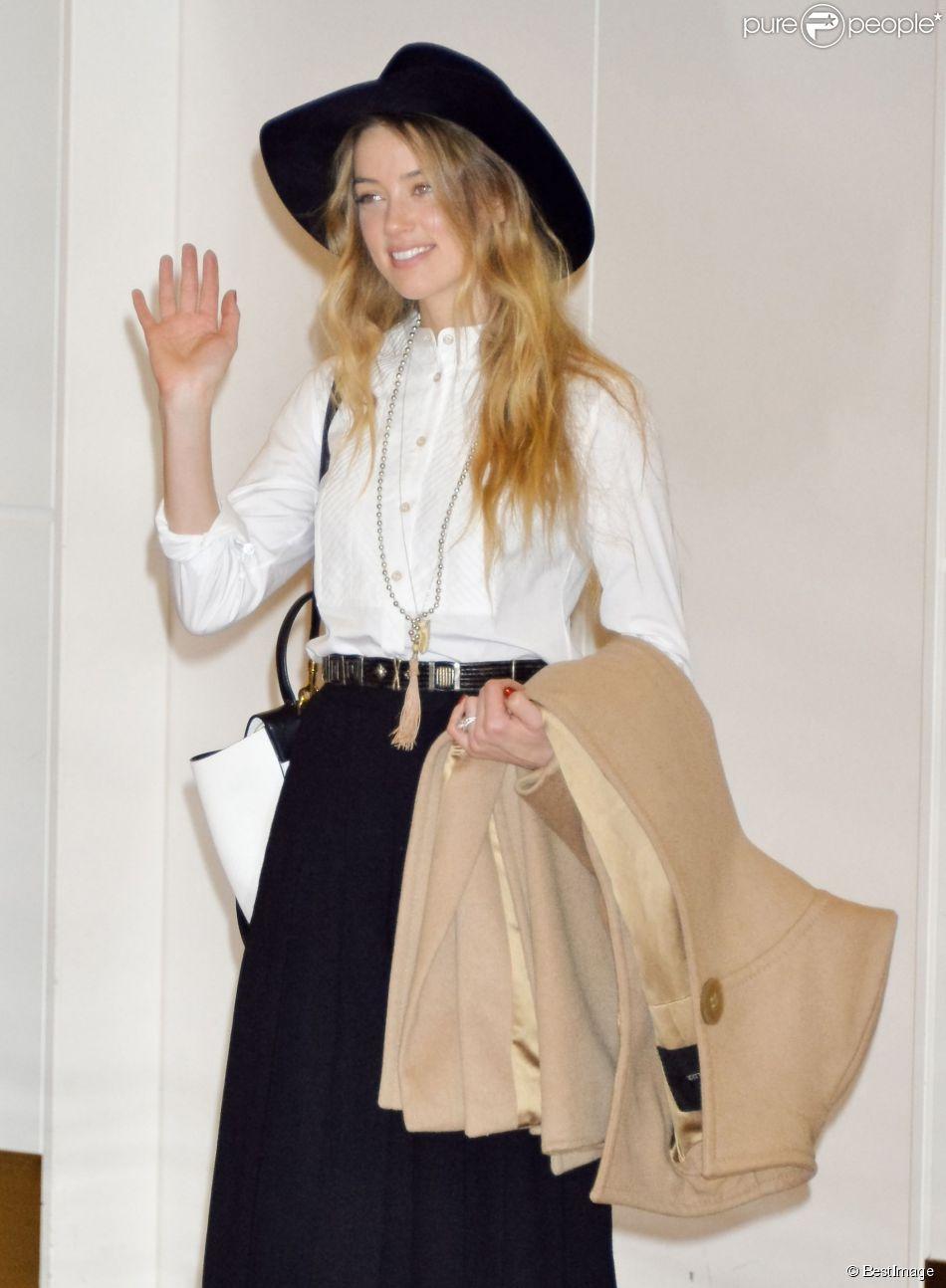 Amber Heard, blog o modzie, blog moda, najlepsze stylizacje Amber Heard, Amber Heard style, Amber Heard outfits, Amber Heard and Johnny Depp, Amber Heard airport,