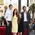 "Caleb Freundlich, Julianne Moore, Liv Freundlich, Bart Freundlich - Julianne Moore reçoit son étoile sur le ""Walk Of Fame"" à Hollywood, le 3 octobre 2013."