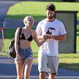 Exclusif - Miley Cyrus et son petit ami Patrick Schwarzenegger, en vacances à Hawaï, se rendent sur la plage de Maui, le 21 janvier 2015.