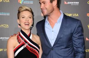 Scarlett Johansson dévoile une nouvelle coupe au côté du beau Chris Hemsworth