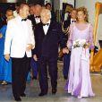 Le prince Rainier, Stéphanie et Albert de Monaco au Bal de la Croix-Rouge, le 3 août 2001.