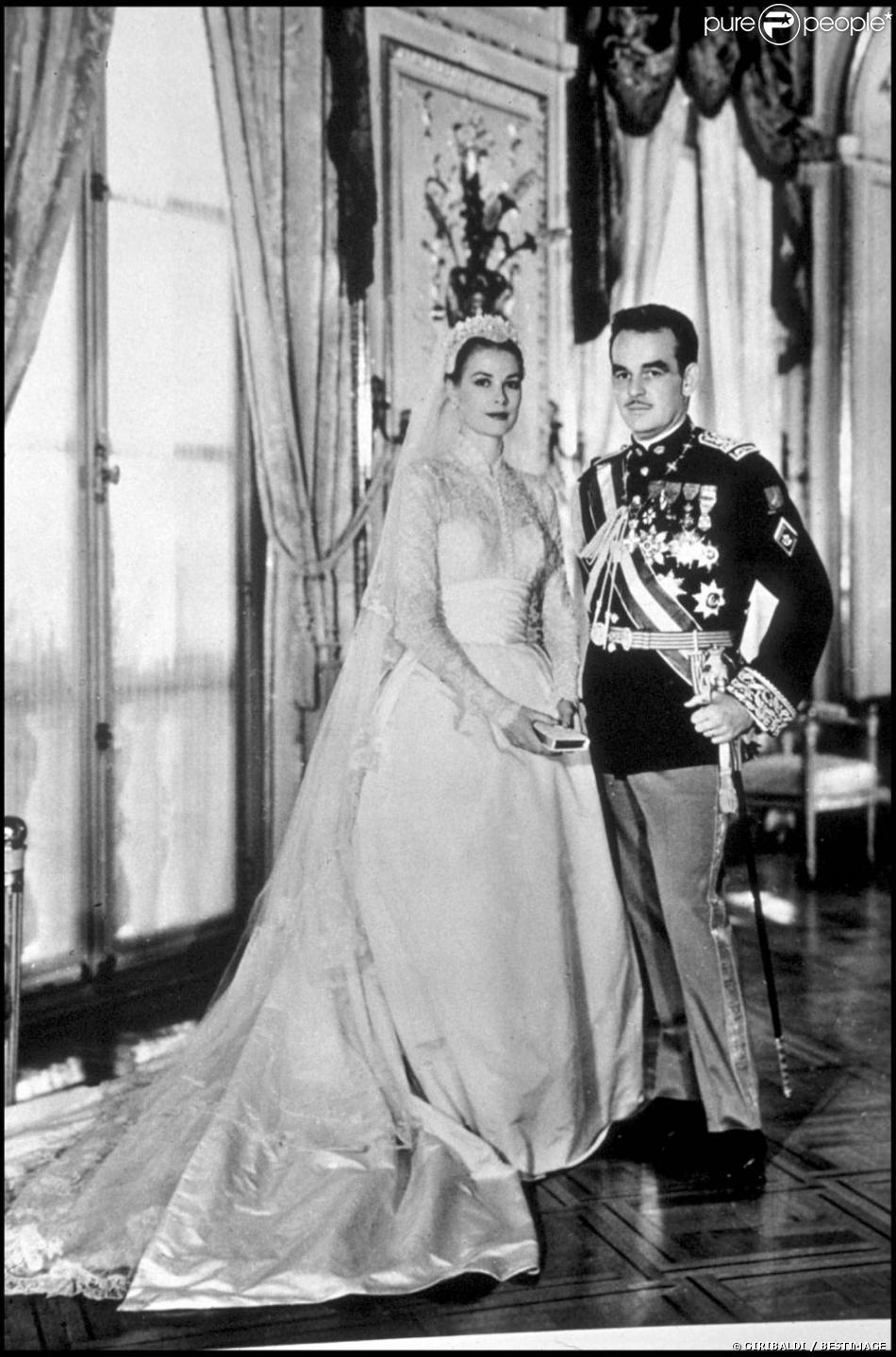 Mariage de Grace Kelly et du prince Rainier à Monaco, avril 1956.
